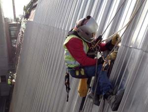 Alder Hey Hospital, end lap welding from rope access